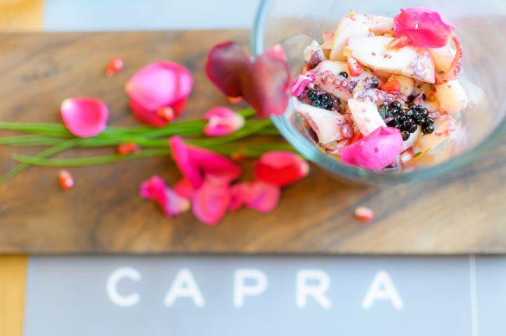 Polipo marinato agli agrumi con caviale di aceto balsamico e verdure