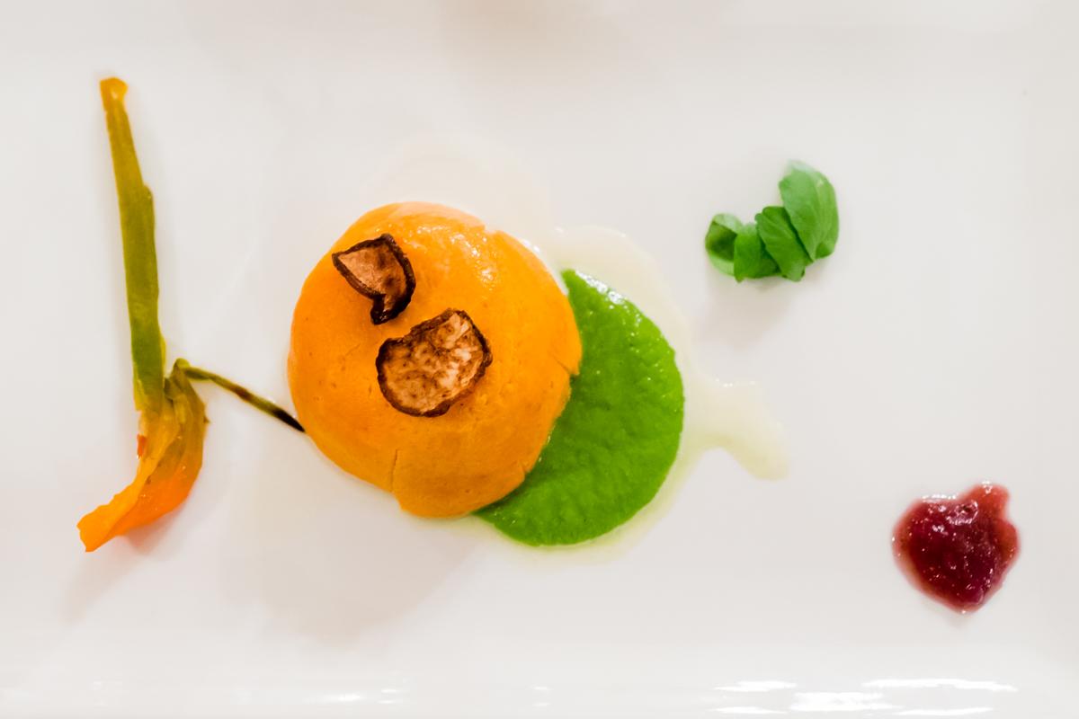 Flan di peperoni con confettura di cipolla rossa di Devetak Sara e cioccolato bianco