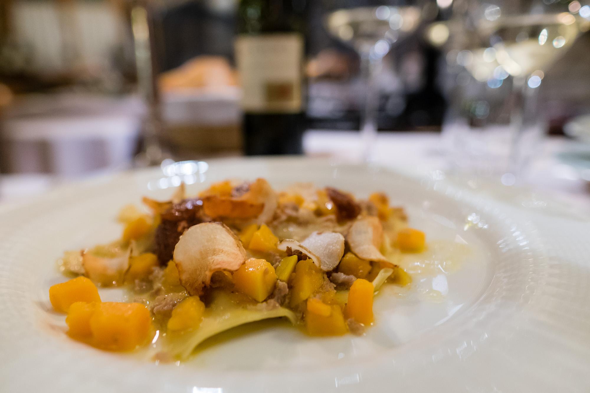 straccetti di ravioli, ripieni di castagne con salsiccia, topinambur, fichi e zucca