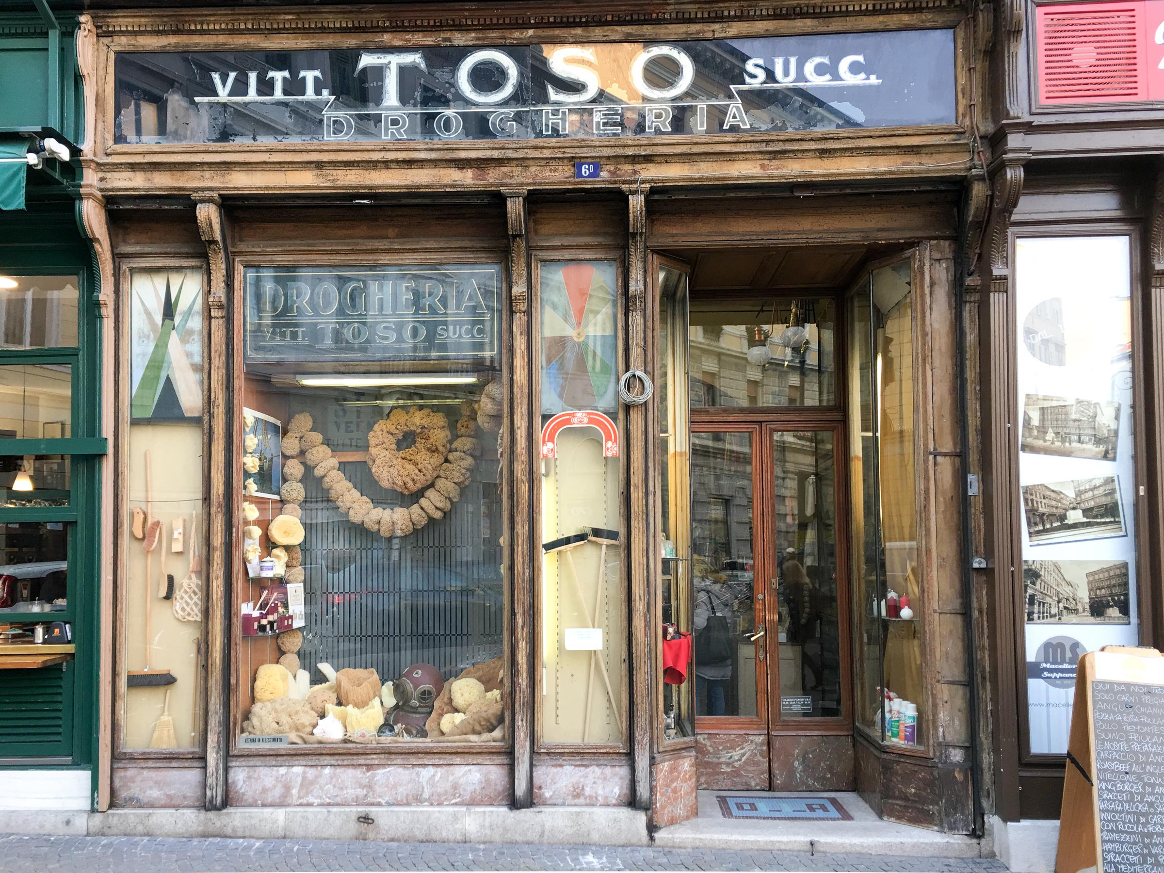 Miss_Claire_Christmas_Shop-1009