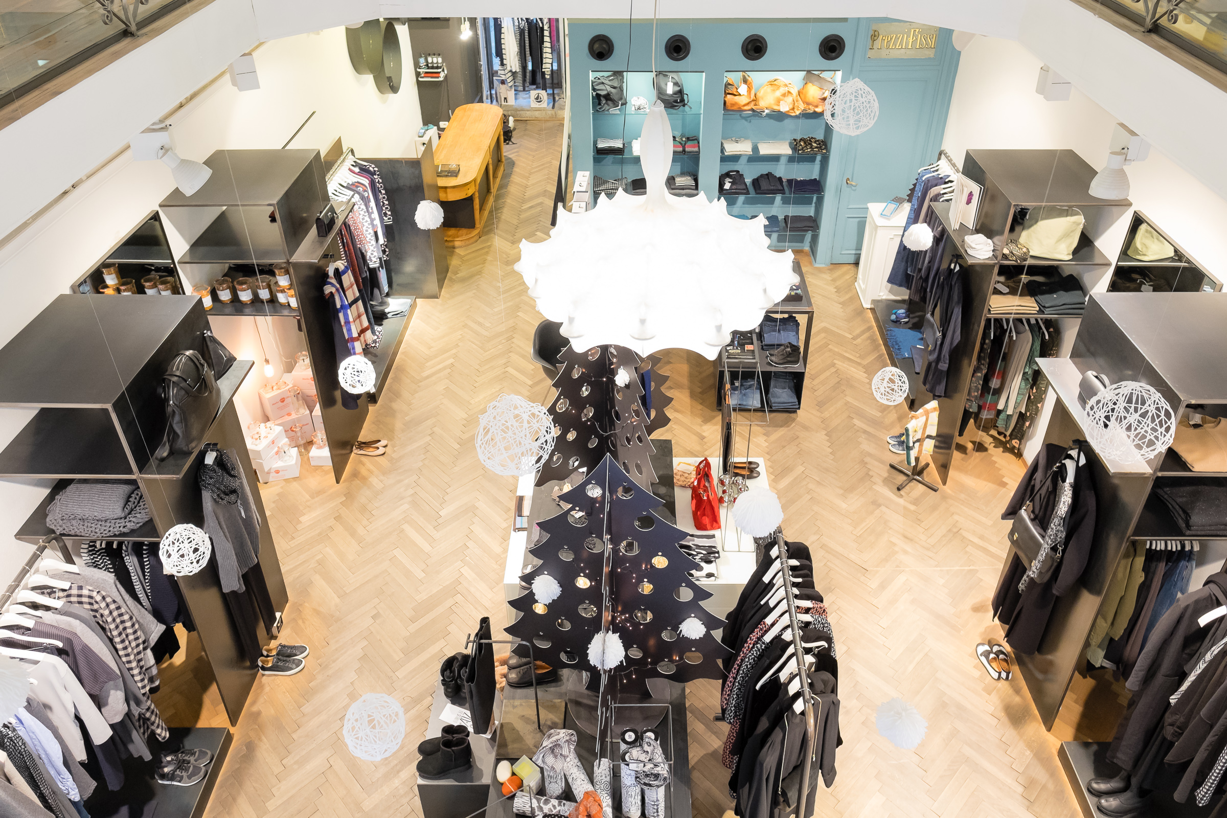 Miss_Claire_Christmas_Shop-1023