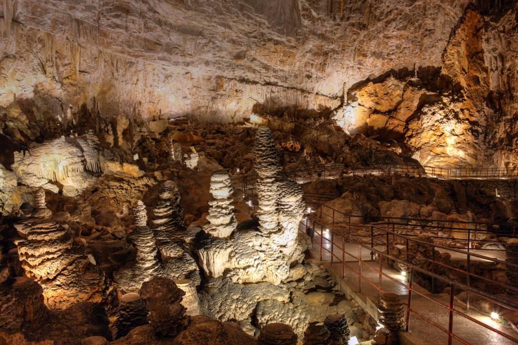 grotta-gigante-missclaire1