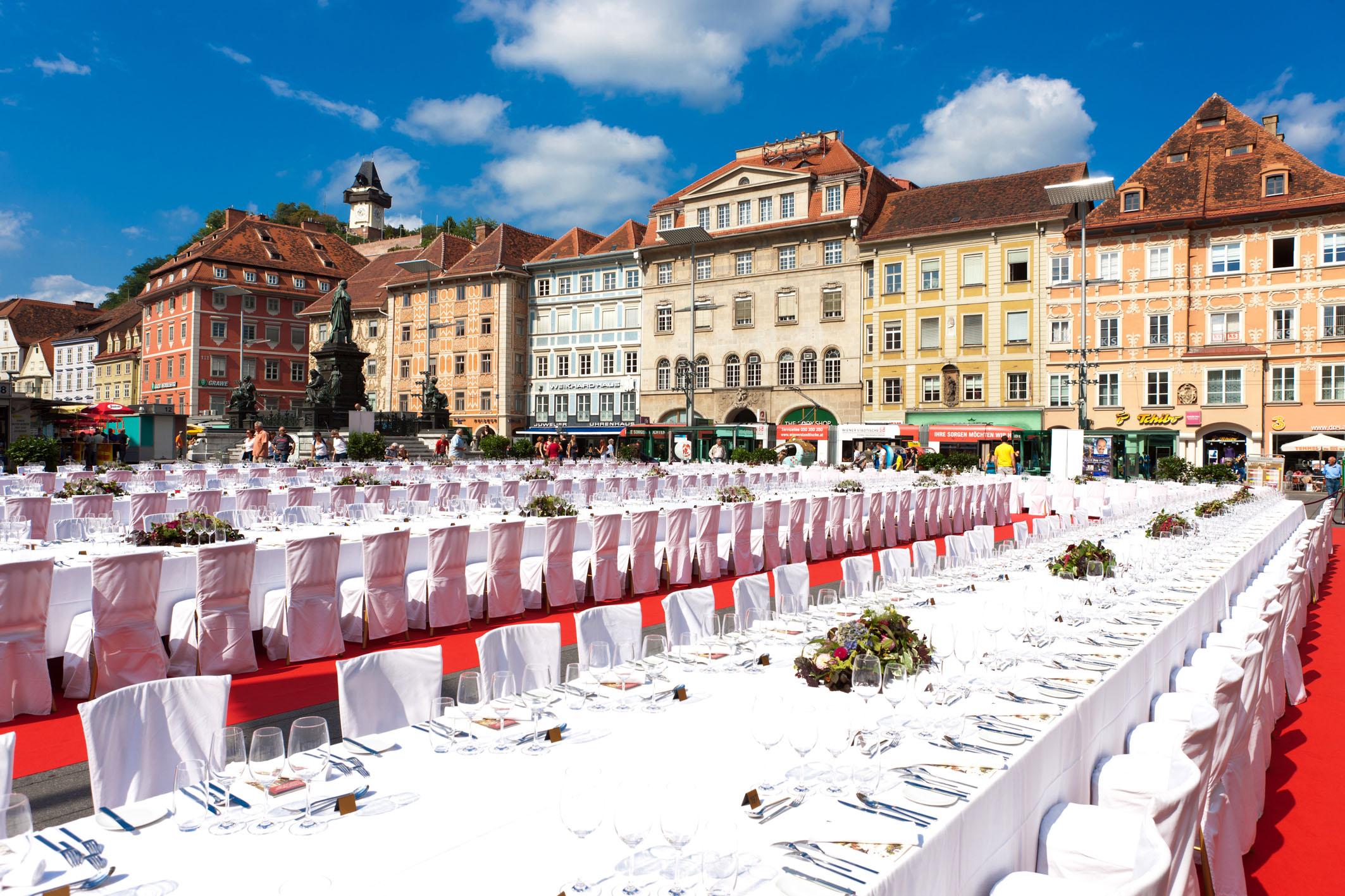 lange-tafel-der-genuss-hauptstadt-2011-169-graz-tourismus