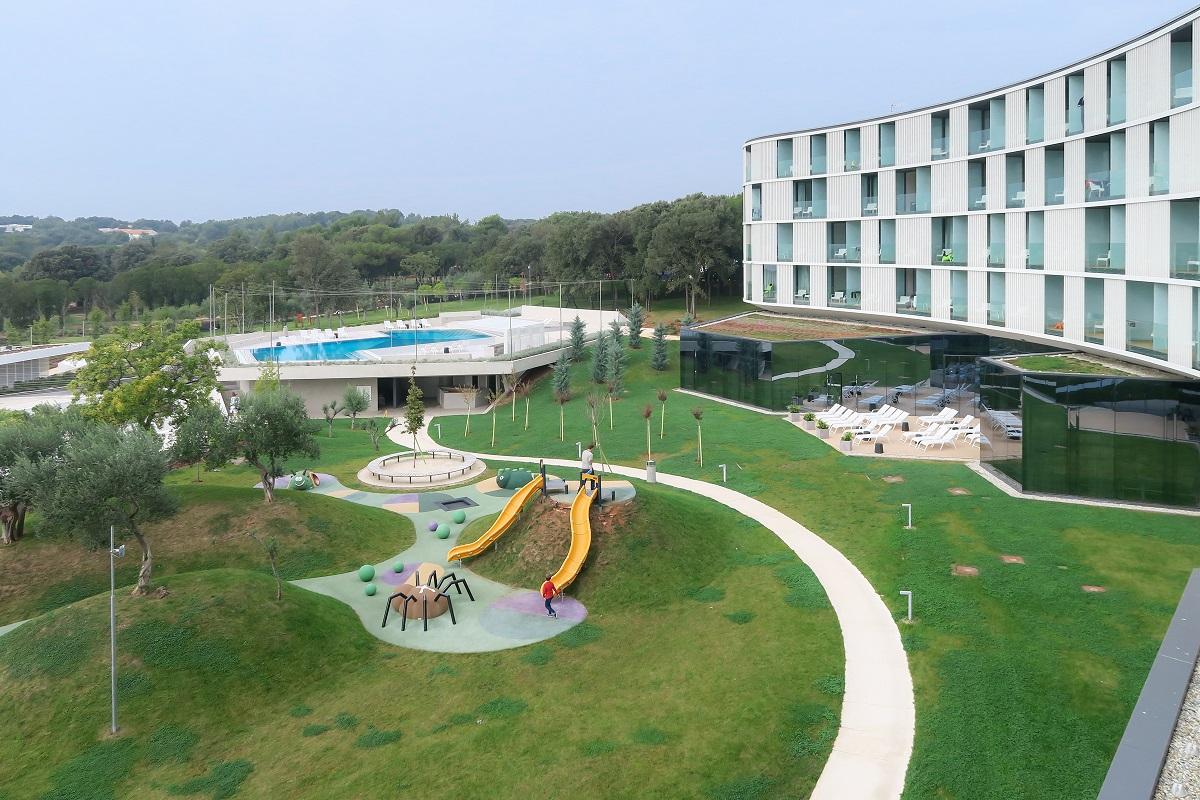 miss_cliare_hotel_amarin-1004